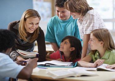 Dạy tiếng anh lớp 6  cho trẻ củng cố kiến thức